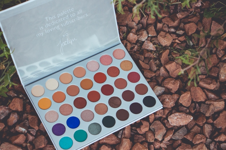 Jaclyn Hill Palette Morphe JaclynHillxMorphe MOTD Northern California makeup artist freelance makeup Morphe Brushes bblogger beauty Jaclyn Hill Favorites Palette beauty guru JH makeup photography Summer eyeshadow
